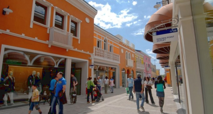 online retailer 83d81 5d981 I migliori outlet di Udine - Weekend di shopping