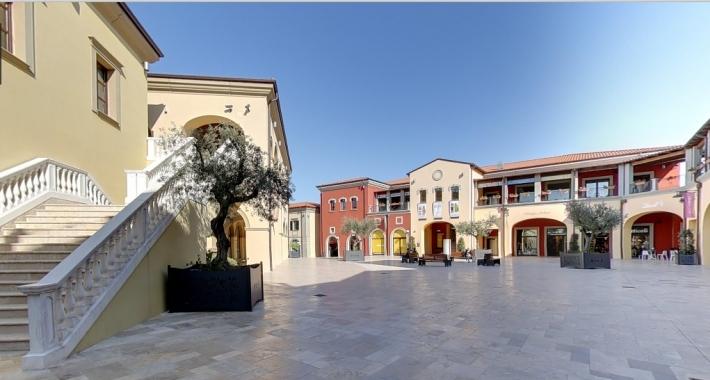 Città Sant'Angelo Village - Fashionable Outlet