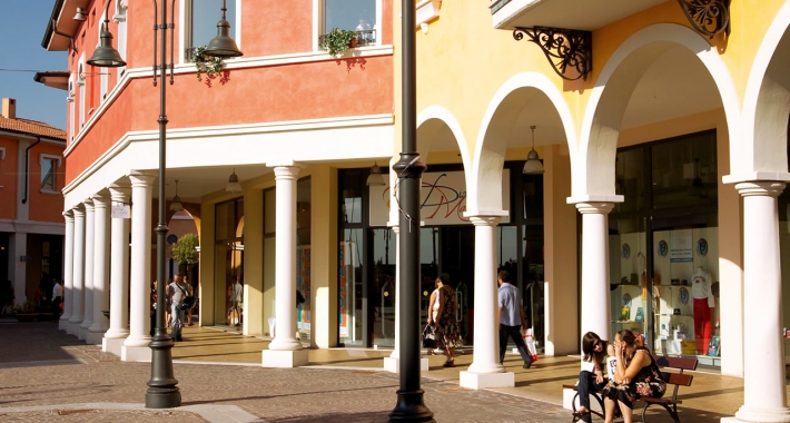 63091fdff2 Recensioni ed indirizzi dei migliori outlet di Mantova, per tutti coloro  che amano fare shopping nel weekend. Mantova Outlet Fashion District