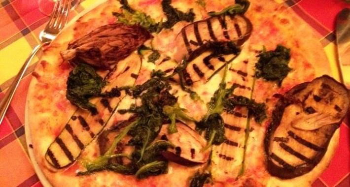 Pizza con Melanzane e Spinaci