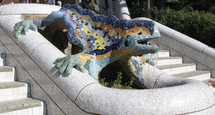 The mosaic dragon at the entrance to Parc Güell, Barcellona