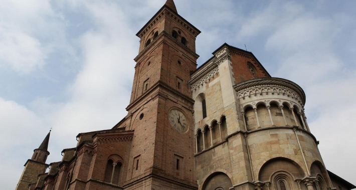 Weekend a fidenza weekend religioso for Palazzi davvero grandi