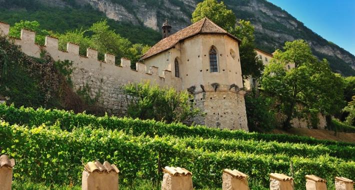 Castello-della-Torre-e-Chiesa-di-Santa-Apollonia
