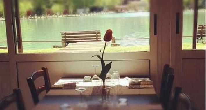 Cena romantica a pistoia weekend a lume di candela - Ristorante lago lo specchio ...