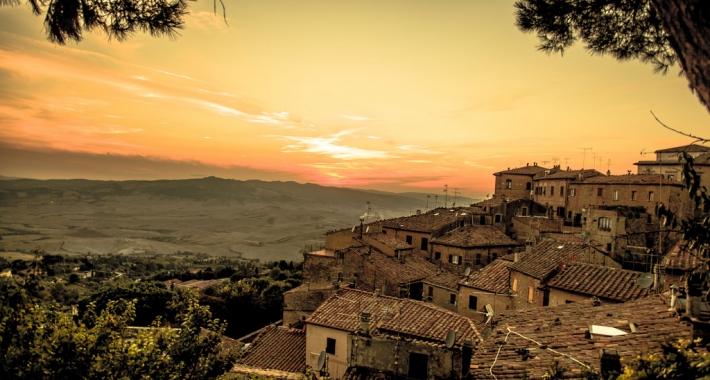Tramonto su Volterra, Toscana