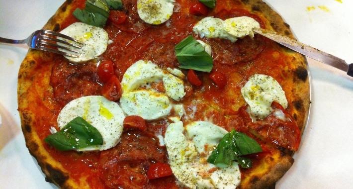 pizza con mozzarella