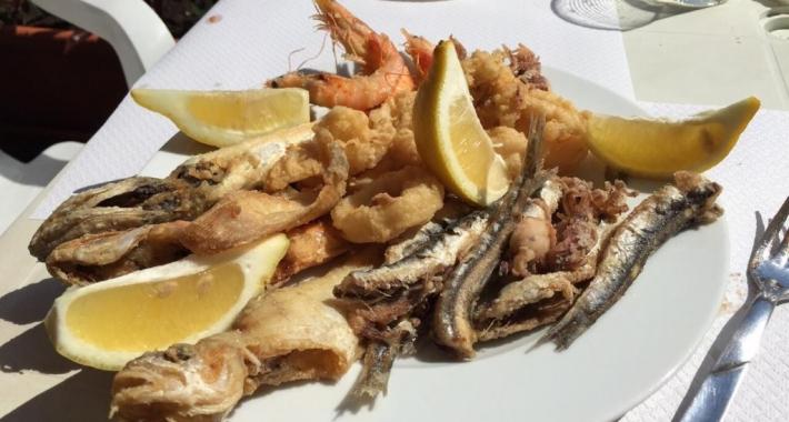 cartocci di fritto di pesce , Pescheria il mare di Terracina