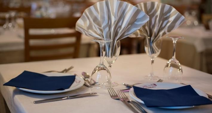 Particola della sala da pranzo dell'Hotel San Domenico di Pinarella