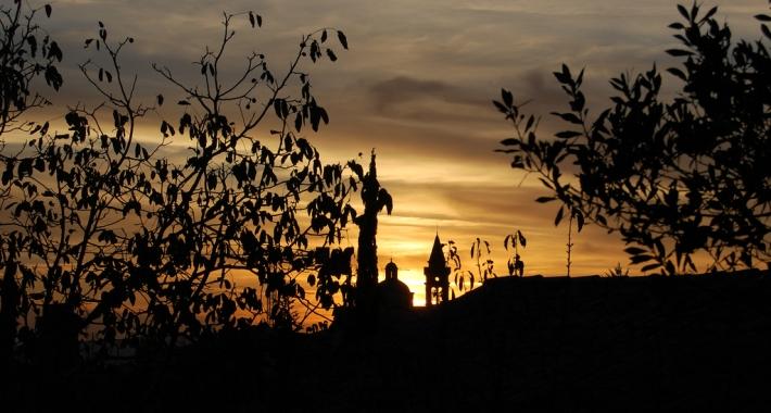 Trevi al tramonto