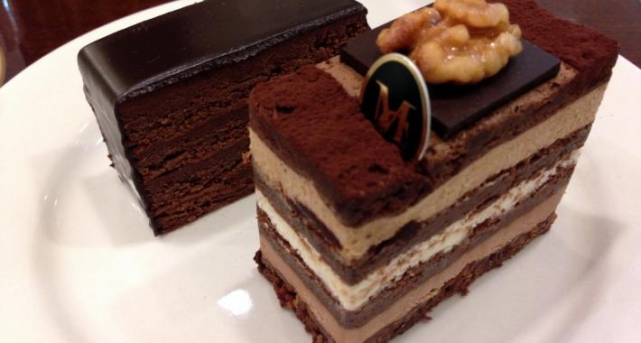 Fette di torte al cioccolato del mastro cioccolataio Michel Chaudun