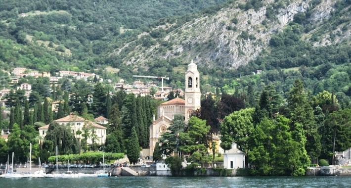 Tremezzo vista dal Lago di Como
