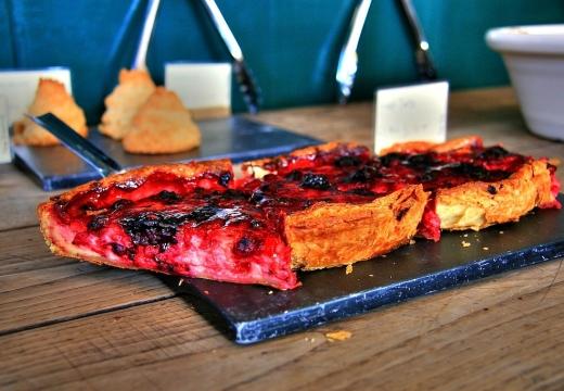 Alcune fette di torta ai Borough Markets di Londra