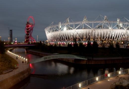 Il Parco Olimpico di Londra di notte, Stratford, Newham