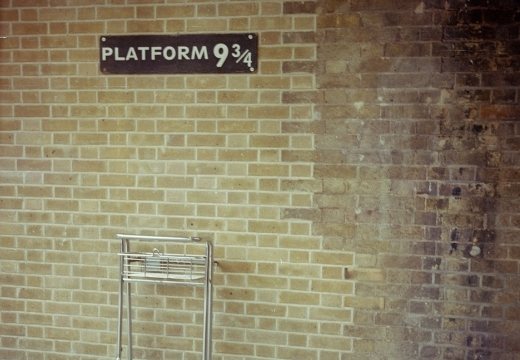il binario di Harry Potter alla stazione di Kings Cross di Londra